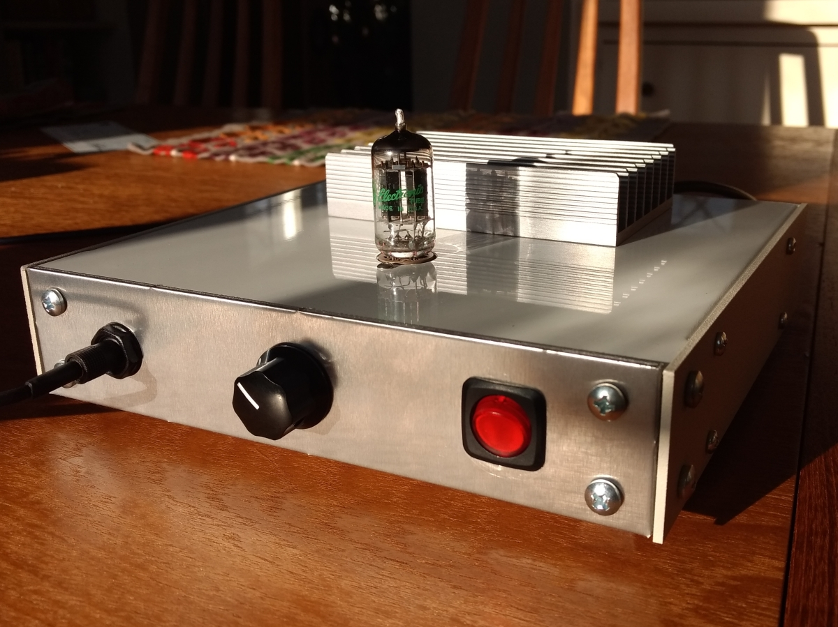 El Estudiante Headphone Amp